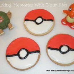 Pokemon Pokeball Cookies