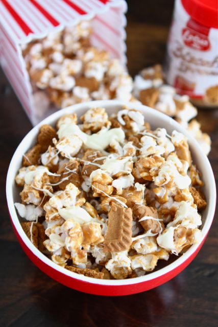 Biscoff Cookie Popcorn with White Chocolate