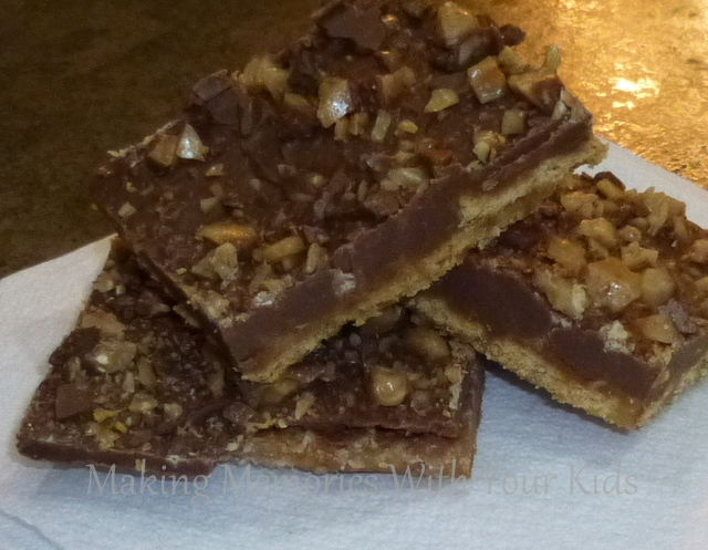 Chocolate Caramel Graham Cracker Toffee Cookie
