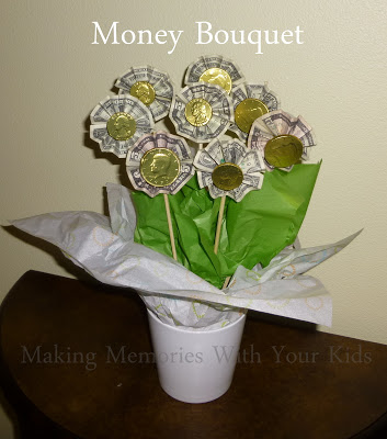 Money bouquet gift idea