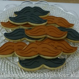 Mustache Sugar Cookies for a Mustache Birthday Party