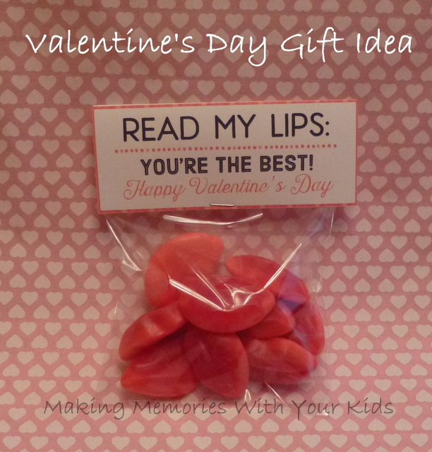 Read My Lips Valentine's Day Gift Idea with Free Printable