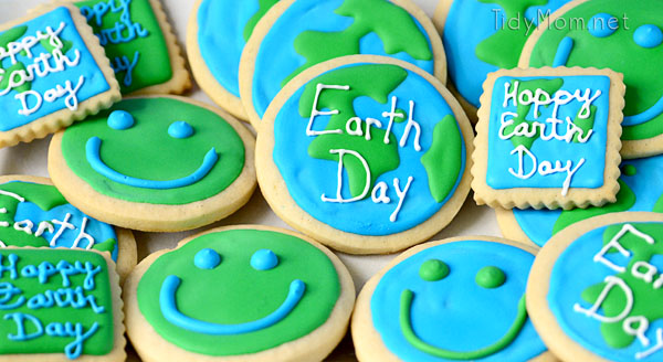 Earth-Day-cookie-TidyMom