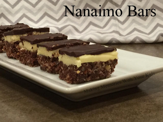 Nanaimo Bars - Amazingly Delicious No Bake Cookies from Canada