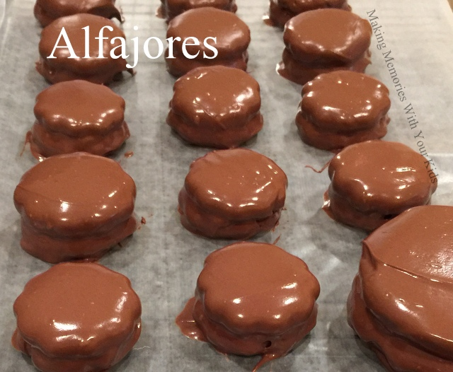 Peruvian alfajores making memories with your kids peruvian alfajores delicious cookie filled with dulce de leche forumfinder Image collections