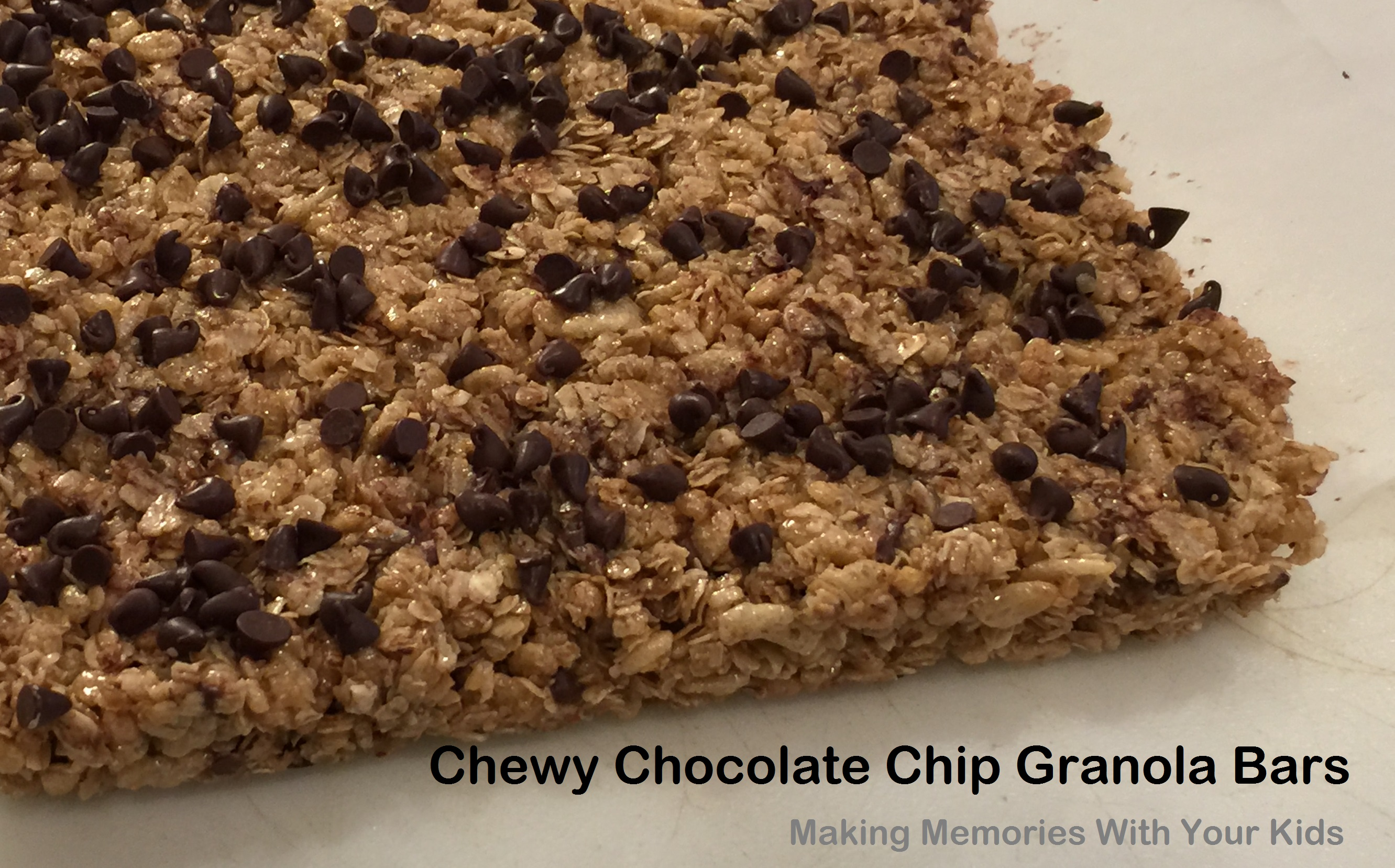 Homemade Chewy Chocolate Chip Granola Bars - Making ...